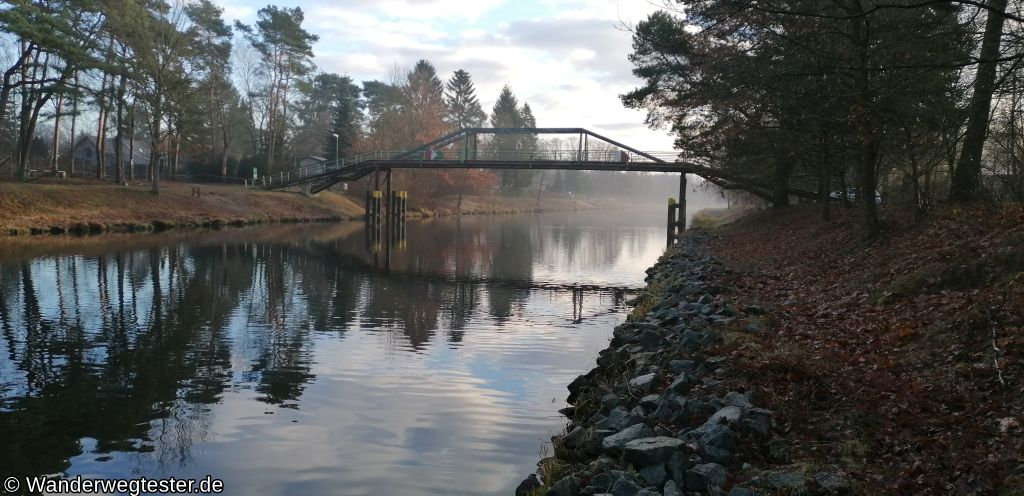 Wanderwegtester Oder-Spree-Kanal Fußgängerbrücke
