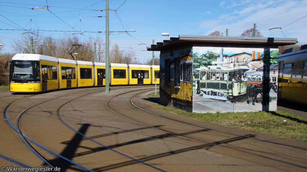 Tram M4 und M5 Station Zingster Straße