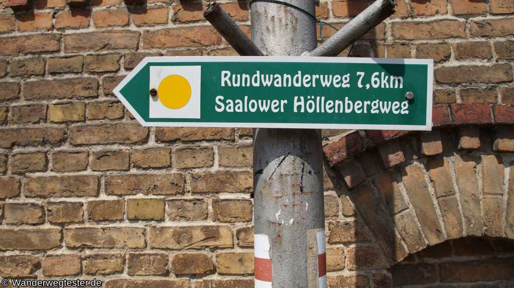 Wegweiser Saalower Höllenbergweg